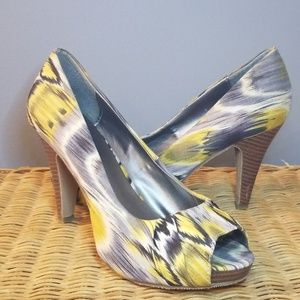 Shoes - Madden Girl Peep Toe Heels